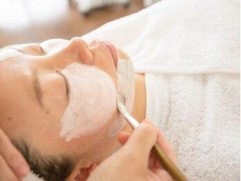 ジュノ 高蔵寺店の写真/小鼻などの毛穴の開きや汚れが気になる方にオススメ。ザラつきのないつるつるのお肌へ。
