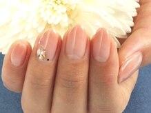 自爪に優しいシェラックネイルで指先美人に…♪