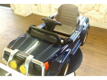 車のお椅子のキッズカットスペースは嬉しいDVD完備♪