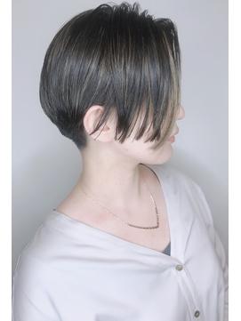 【morio 原宿】黒髪ショートボブインナーカラーハイライト