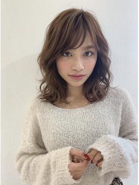 すき間前髪で目力UP!愛されゆるふわパーマ☆ミルクティー