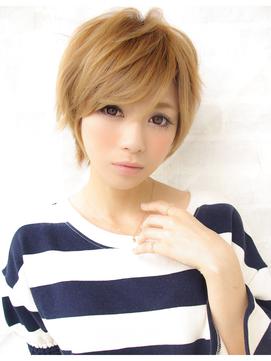 白髪も明るくカラー☆ミセス・大人女子こそハイトーンショート