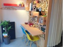 カラフルな待合いスペース♪おしゃれなカフェのイメージ☆