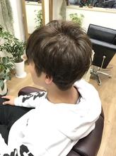 【東加古川駅徒歩2分】気軽に通えるアットホームさが魅力◎理容師さんなので、お顔剃りもお任せください!