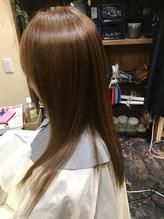 自然なストレートヘア.57
