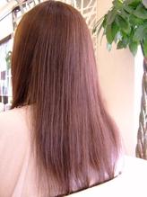 【ハーブをベースにした天然素材】大人女性の髪の悩みも、天然ハーブの香草カラーで染める度キレイな髪に!