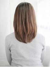 かきあげ前髪のストレートスタイル.50