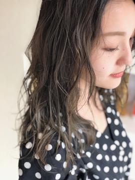 グラデーションカラー 暗髪 トーンダウン