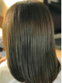 乾燥が気になるこれからの季節に!濃密トリートメントで補修♪自宅ではケアしきれない髪のダメージをプロの提案するトリートメントで改善!ずっと触っていたくなる…なめらかな手触りと艶感に感動するはず!