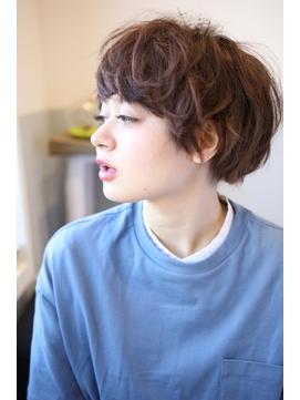 【emis】20代30代マッシュ小顔ひし形こなれ感ショートボブパーマ