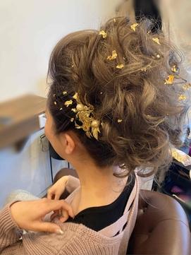 盛り髪 ポンパカールアップ