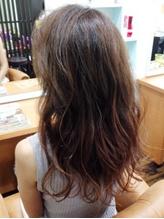 オーガニック協会認定カラー剤を使用。高い技術力で「白髪染めだから明るくできない」を覆します♪