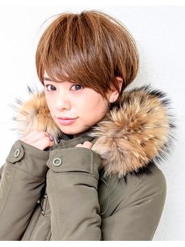 宝塚 / 30代40代に人気の髪型 前髪あり ベリーショートボブ