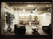 シンプルでモダンな北欧風デザインのサロン―。スタイリッシュな空間で上質な時間を*