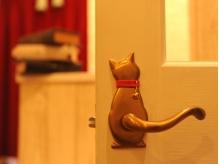 ドアノブに可愛い猫が♪細かい所にもこだわりのインテリア。