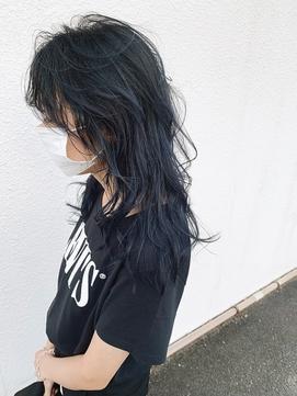 黒髪ダークカラーのロングウルフ