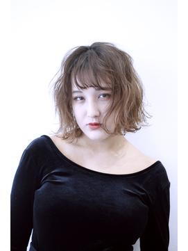 【OREO.coco】外国人風アッシュベージ      #くびれミディ