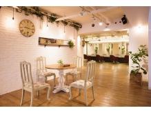 広々と開放的な内装▲待合いスペースでゆっくりカフェもできる♪