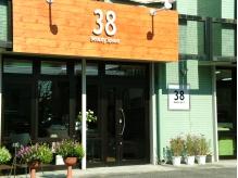 「38」が目印の癒しのスペースサロン