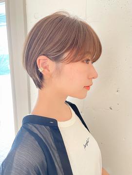【東 純平】大人可愛い 丸み 耳かけ ショートボブ