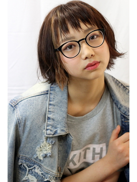 メガネ女子×インナーカラー