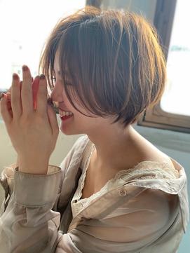 透明感アッシュベージュ☆前髪長め大人ショートボブ