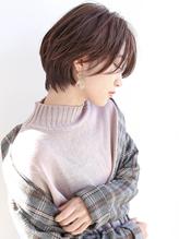 【石井知希】長さを残した女性らしいハンサムショート.50