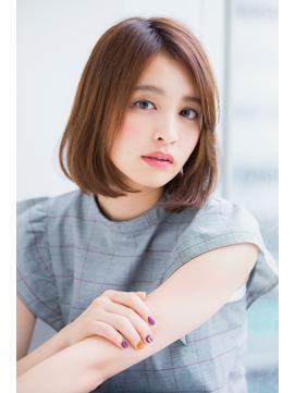 【東 純平】綺麗なシルエットに見せる小顔ストレートボブ