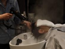 水蒸気で毛髪の内部まで浸透力UPに!