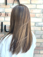 パサつきや広がりのお悩み解決します!こんな髪にあこがれてた♪自然な仕上がりのサラつやストレートに♪