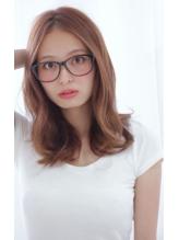 小顔カット!大人可愛い☆センターパート×透明感なラフウェーブ 好感度.35