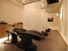 【極上の癒しを贈る‐Luxury Salon‐】15分or30分コースから選べるAujuaスパ★寛げるベッド型スパシート◎