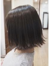 美髪デザインカラー×切りっぱなしボブ.4