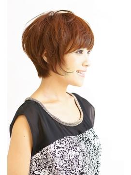 黒髪や大人女性(40代~50代)に似合う後部ボリュームショート