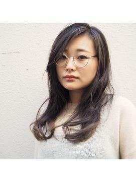 【CUBE】飾らないロングスタイル +メガネ