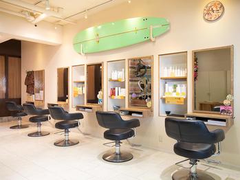 アウラニヘアーリゾート(AULANI Hair Resort)(東京都日野市/美容室)