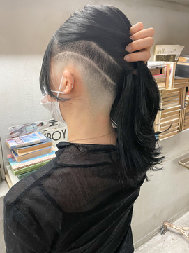 【roijir 山岸】スキンフェード女子 刈り上げ女子 セミロング