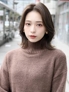 前髪長めの韓国風外ハネミディアム