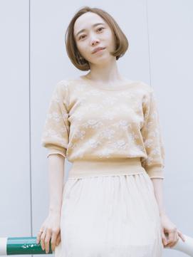 ベージュ系の服は、優しい雰囲気で可愛いです
