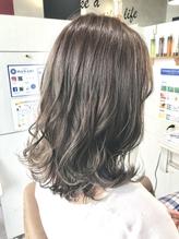 髪質改善 アッシュベージュ ウルフミディアム .13
