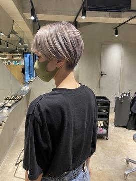 bibito ハイトーン 刈り上げ ハンサムショート 前髪あり