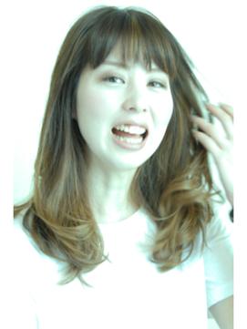 【almo千里中央店】☆小顔を強調するひし形シルエットのセミディ