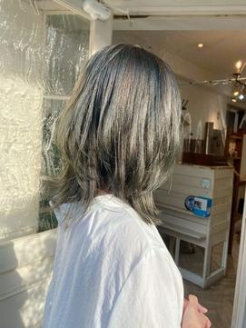 夏のヘアスタイルグレージュ大人ミディアムウルフ梅ヶ丘美容室