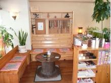 手作りの家具とアクセサリーなど・・・