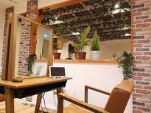 ヘアラウンジ メイドマイデイ(hair lounge Made my day)の写真