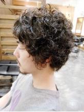 髪質、毛流れ、ライフスタイルに合わせて再現性の高いstyle提案!ON/OFFアレンジが豊富に利くのも好評◎