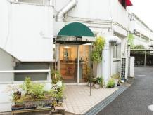 【狛江駅より徒歩3分!ローソン裏に当店があります♪】