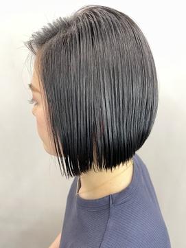【小顔】前下がりボブ×くすみカラー×ウェットヘア
