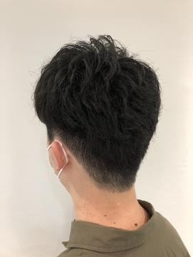 リバースパーマツーブロアップバンクビジネスヘア
