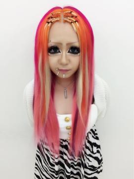 レッド・ピンク系のヘアスタイル・髪型・ヘアカタログ